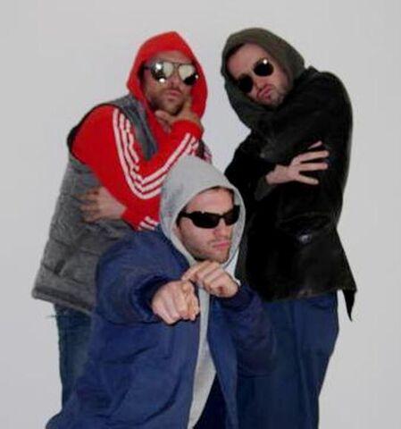 File:Rob, Charlie and Glenn.jpg