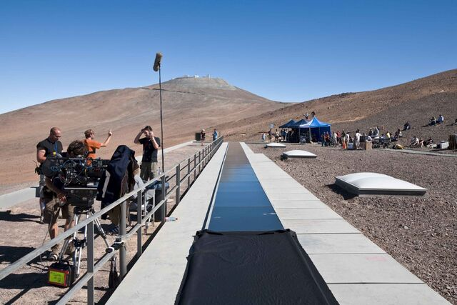 File:Quantum of Solace - camera crew.jpg