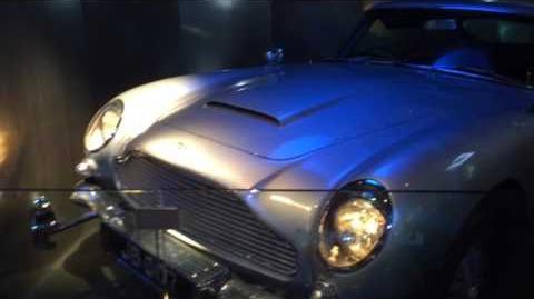 007 Front Firing Guns Spy Museum
