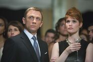 Quantum of Solace - Bond and Strawberry Fields