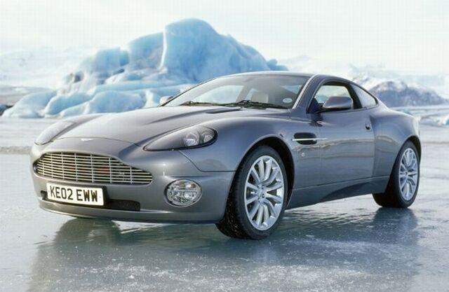 File:Aston Martin V12 Vanquish.jpg