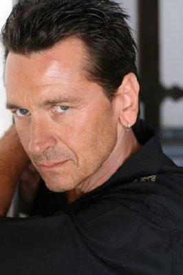 mark lindsay chapman actor