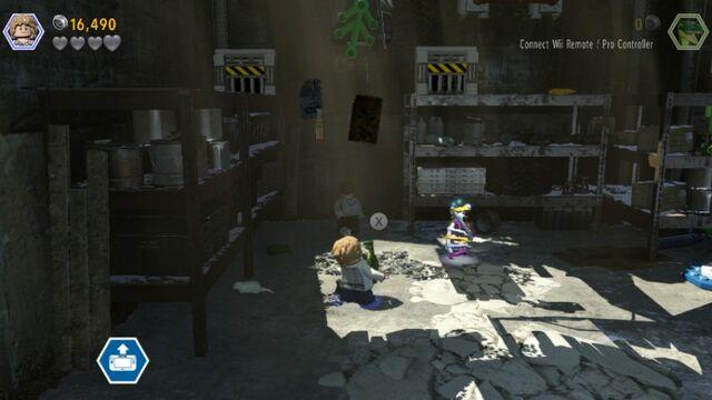 File:LEGO Jurassic World Parking Garage Level Thankful Compy MlWA77ypf8sThOC4bj.jpg