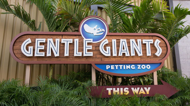 File:Petting-zoo-sign.jpg