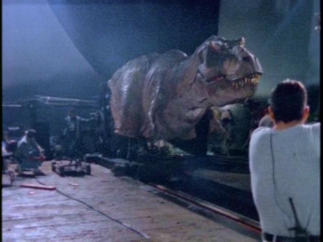 File:Female-tyrannosaurus-animatronic-from-jp2.png