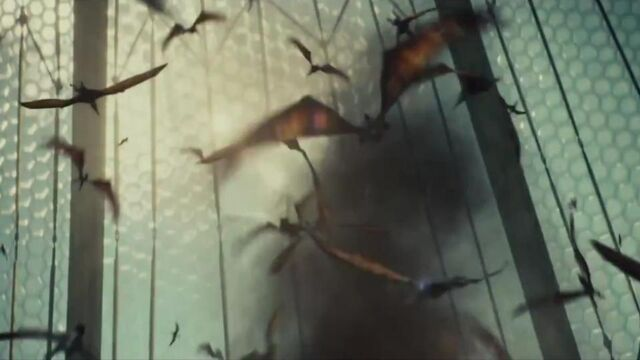 File:Jurassic-World-Aviary-escape.jpg