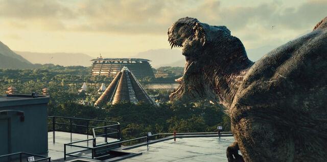 File:Jurassic World Rexy 2.jpg