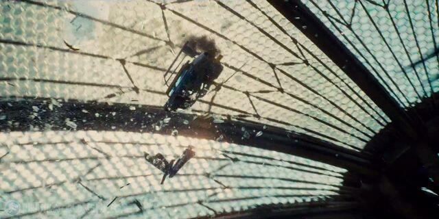 File:Jurassicworld-global-trailer-44.jpg