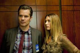 JUSTIFIED-The-Life-Inside-Season-2-Episode-2-6-550x366