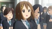 Yui with Maki and Akane