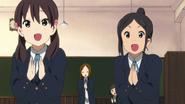 Fumie, Keiko, Ushio and Nobuyo applauding HTT