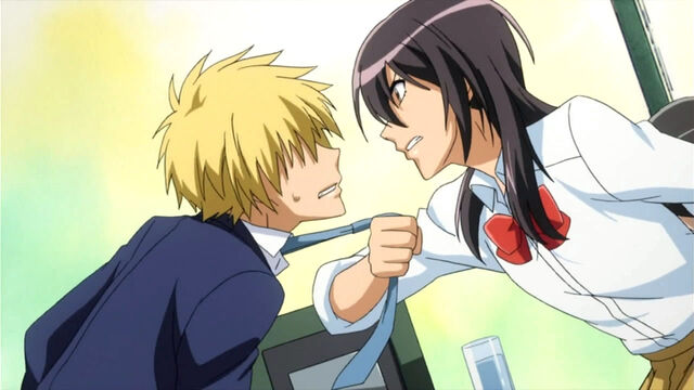 File:Misaki grabs Kuuga.jpg