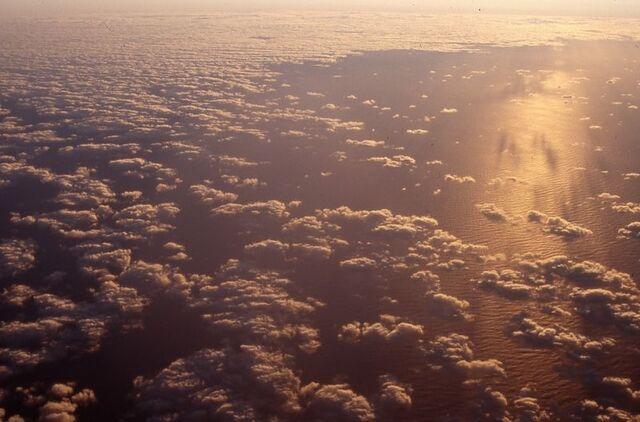 File:CloudsPlane.jpg