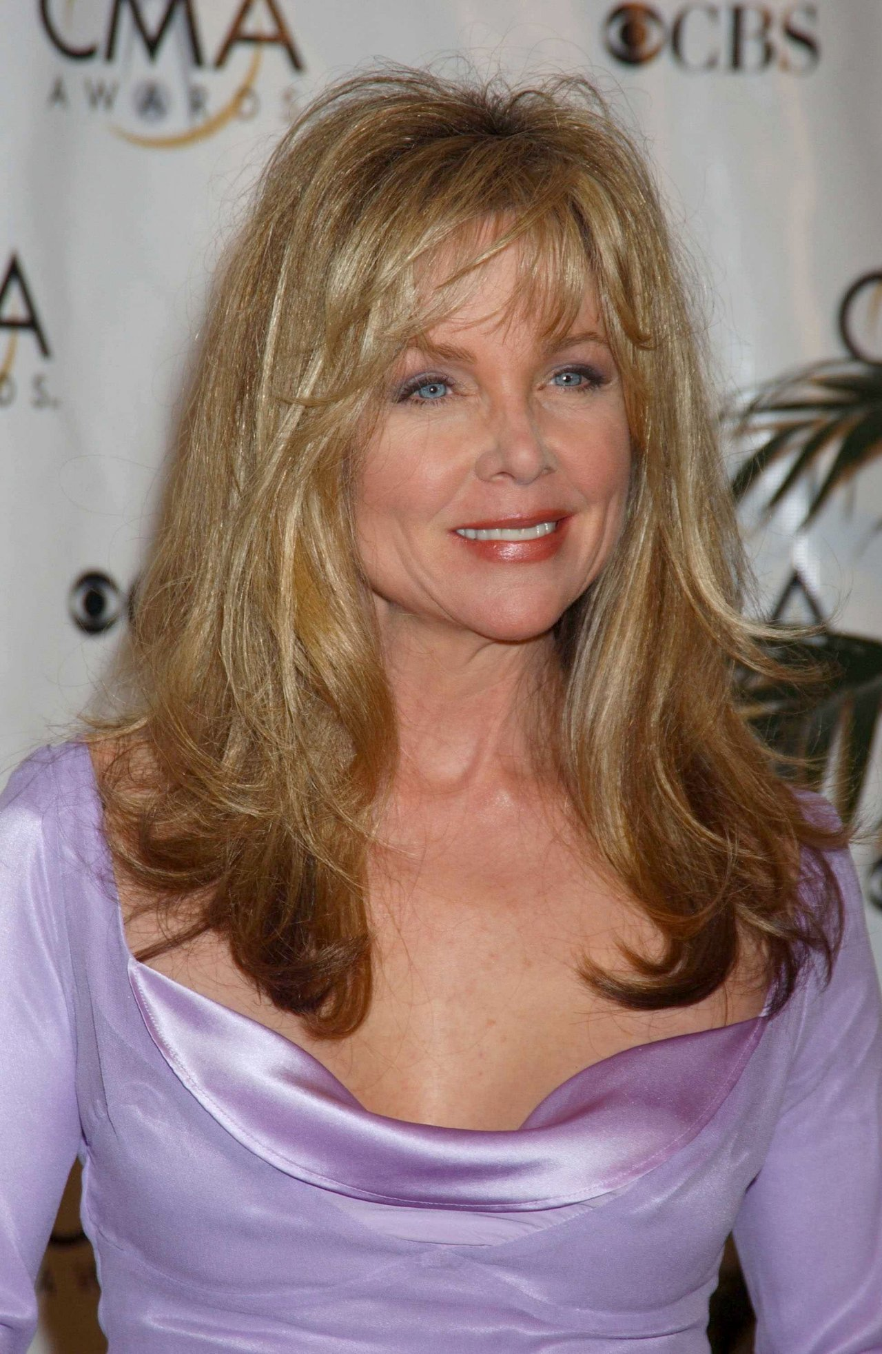 Lisa Hartman Knots Landing Wiki Fandom Powered By Wikia