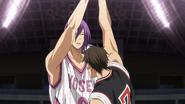 Murasakibara helps Kiyoshi