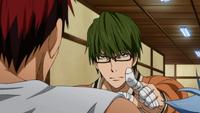 Midorima encounters Kagami and Kuroko