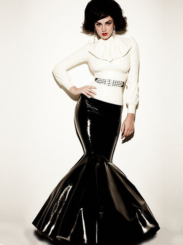 File:William Wilde - Duchess skirt from Madame Boucherie 2010 Collection.jpg