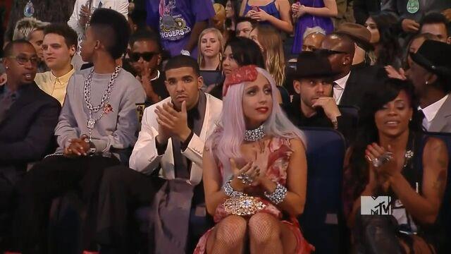 File:MTV VMAS 2010 SCREENSHOT 17.jpg