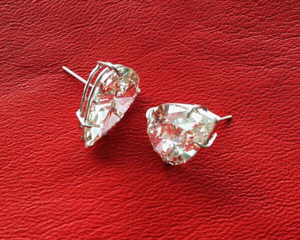 File:Lorraine Schwartz - Earrings.jpg