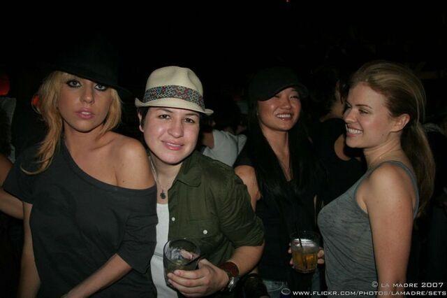 File:10-27-07 La Madre Party 003.jpg