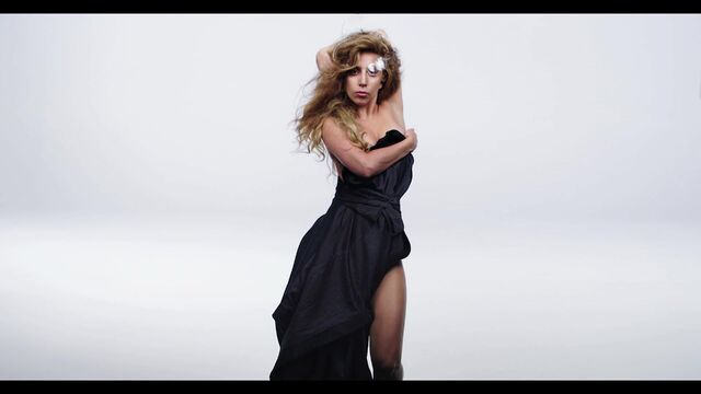 File:Inez and Vinoodh ARTPOP Film 008.jpg