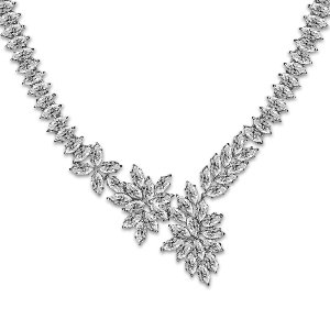 File:Carat London - Cross Vine necklace.jpg