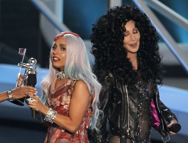 File:9-12-10 MTV VMA - Video of the Year 002.jpg