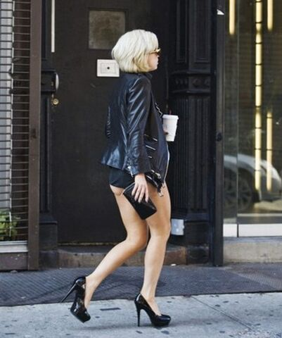File:9-23-10 Lady Gaga walking in the streets.jpg