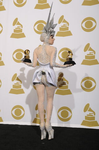 File:1-31-10 At the 52nd Grammy Award Ceremony - Press Room 002.jpg