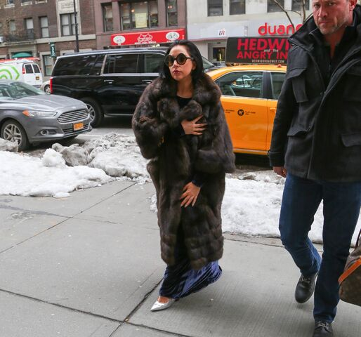 File:2-14-15 Arriving at Yoga Building 001.jpg