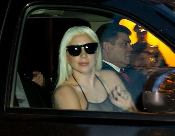 File:2-17-14 Arriving at The Tonight Show with Jimmy Fallon 001.jpg