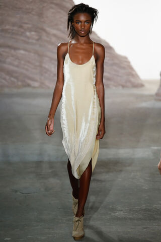 File:Maiyet - Spring-Summer 2016 RTW Collection.jpg