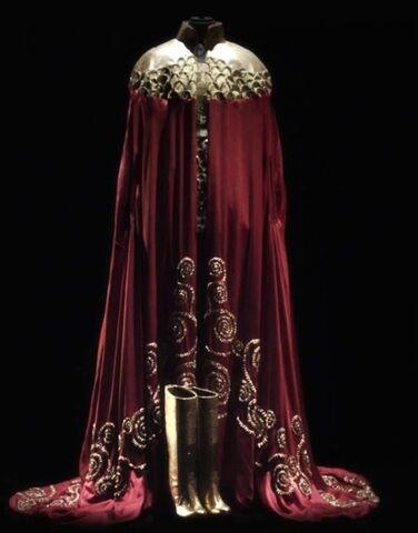 File:Teresa Martins outfit 002.jpg