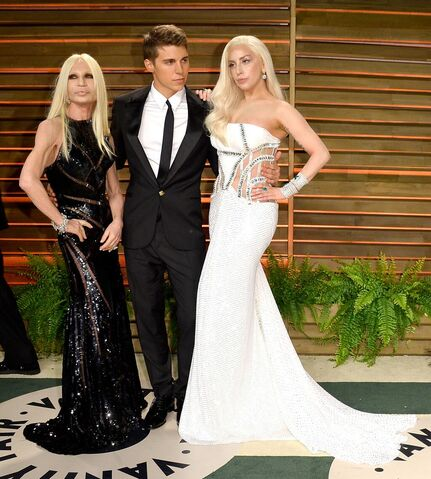 File:3-2-14 Vanity Fair Oscars After Party Red Carpet 001.jpg