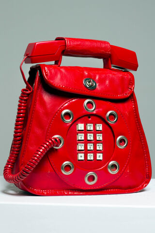 File:Dallas - Telephone bag.jpg