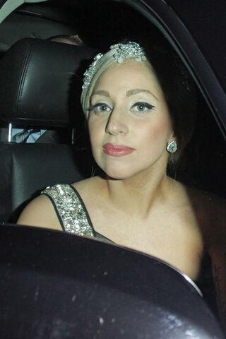 File:Leaving The Palladium in Los Angeles (04-12-11).jpg