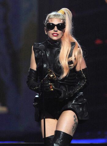 File:2-13-11 Grammy Acceptance 003.jpg