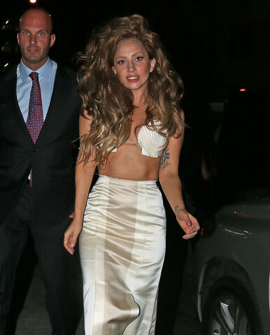 File:8-25-13 Arriving MTV VMA's After Party 003.jpg