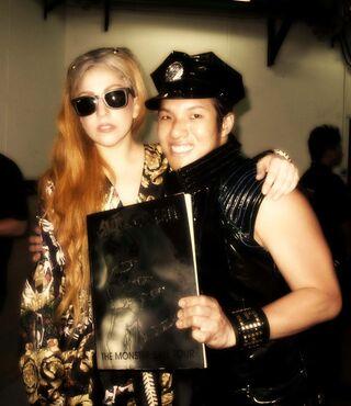 File:5-29-12 Backstage meet and greet 002.jpg