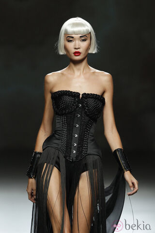 File:Maya Hansen - Spring-Summer 2012 RTW ''Knotted'' Collection.jpg