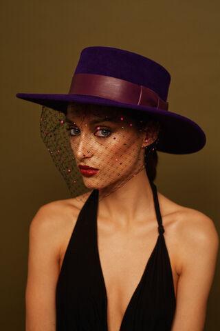 File:Awon Golding - AW15 - Viola hat.jpg