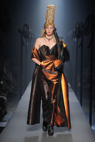 File:Jean Paul Gaultier - Haute Couture 15-16.jpg