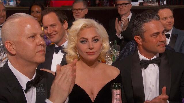 File:Golden Globes 2016 Live Screenshot.jpg