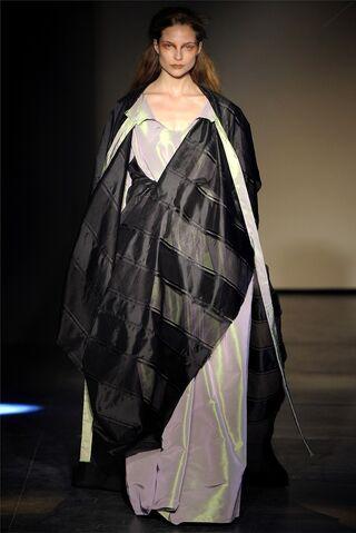 File:Vivienne Westwood Fall Winter 2012 Vest Dress Long Samuri Cape.jpg
