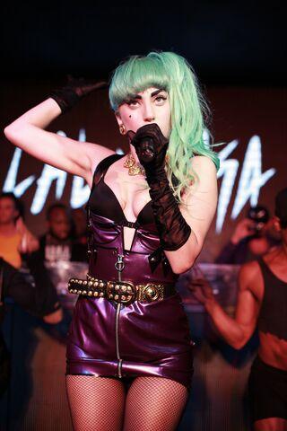 File:7-11-11 At Nevermind Nightclub in Sydney 003.jpg