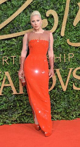 File:11-23-15 Red Carpet at The British Fashion Awards at London Coliseum 001.jpg