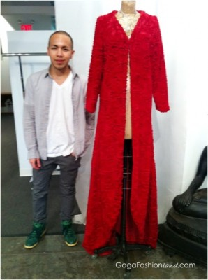 File:Saulo Villela for Adrienne Landau red faux fur robe.jpg