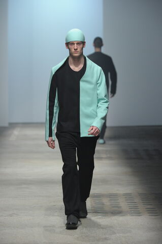 File:Romain Kremer Fall Winter 2010 Surgeons cap.jpg