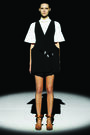 Hussein Chalayan Spring 2011 Black and White Outfit