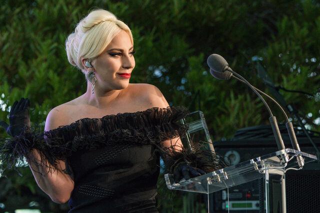 File:4-4-16 Grammy Museum's Jane Ortner Education in Beverly Hills 005.jpg